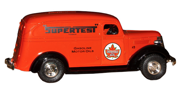 Supertest collectible diecase van #3.