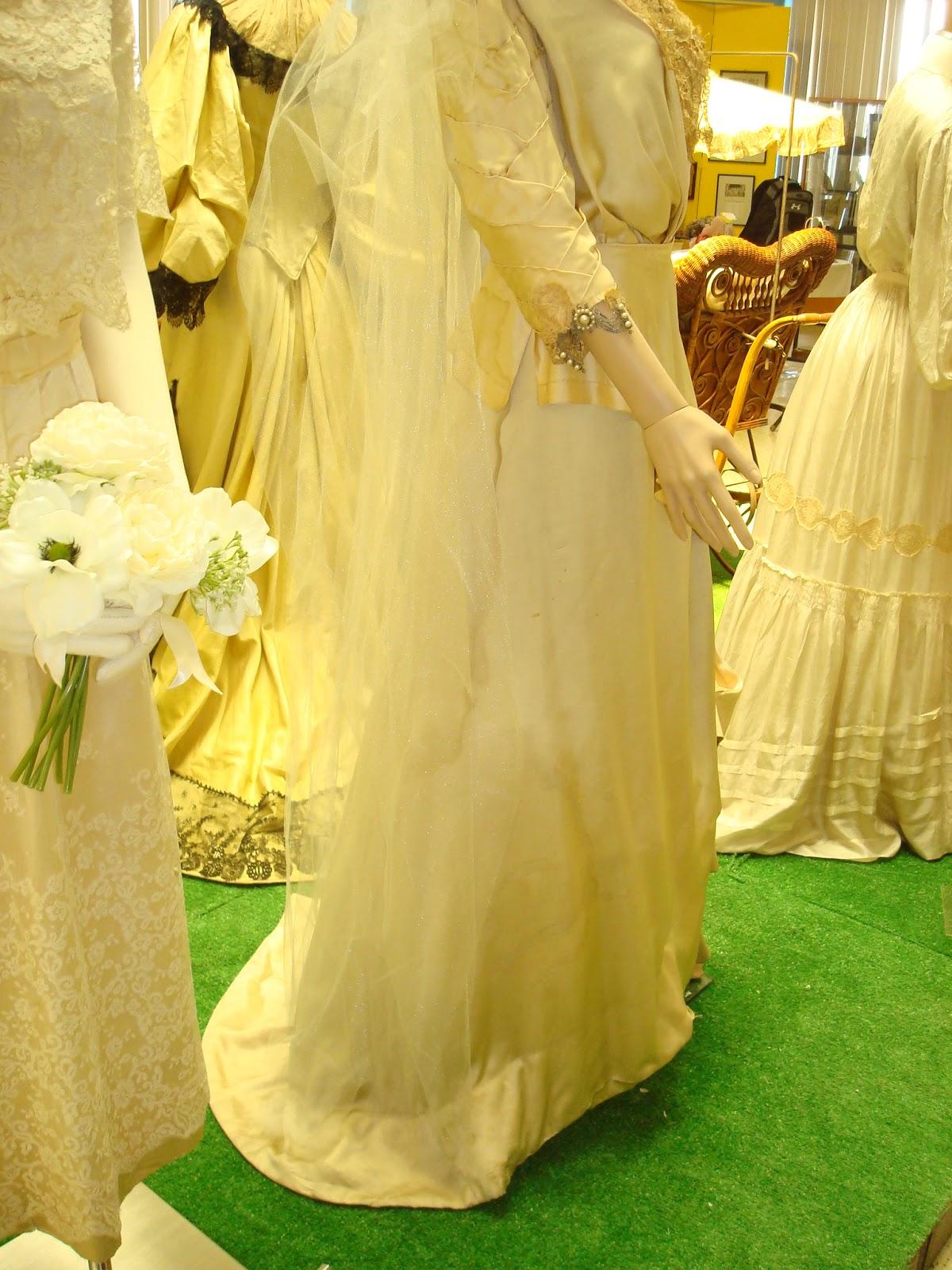 Pour La Victoire: 1909-14 Silk Wedding Gown