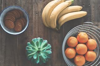 cara diet sehat dengan Mengkonsumsi buah