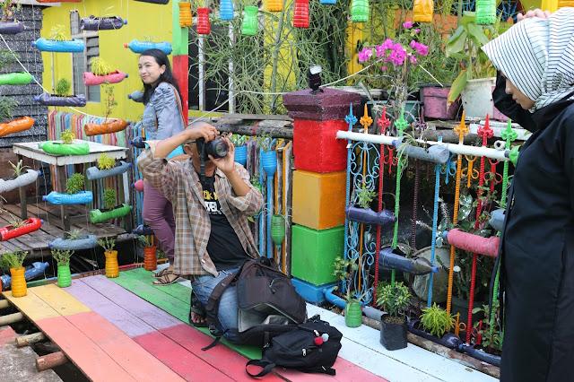 Photo Prewedding di Kampung warna warni Kuantan Tepian Kapuas