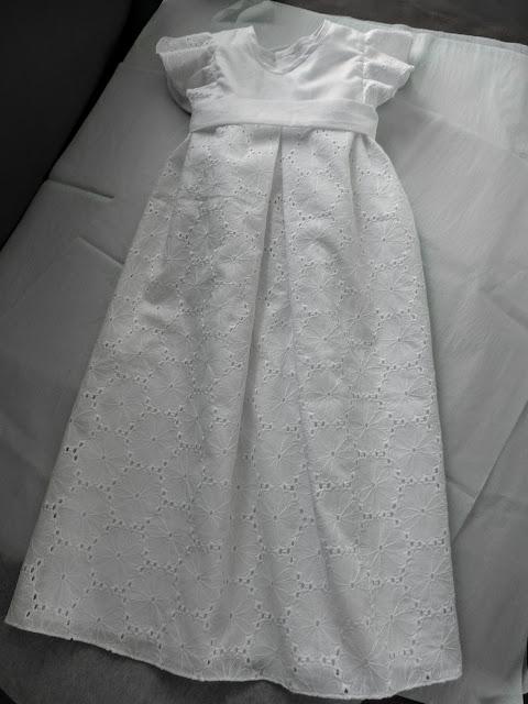 robe de baptême sur mesure par couturière modéliste à Versailles 78