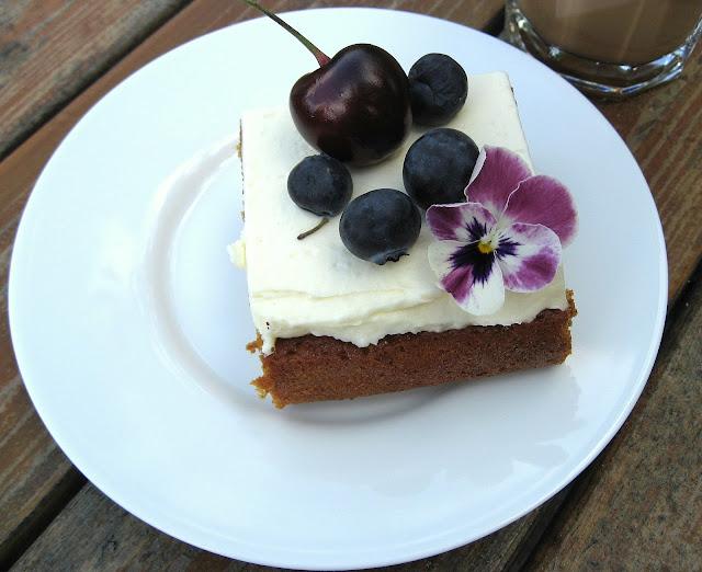 På utflukt til Gøteborgs botaniske Hage - Lekker kakestykke i kafeen