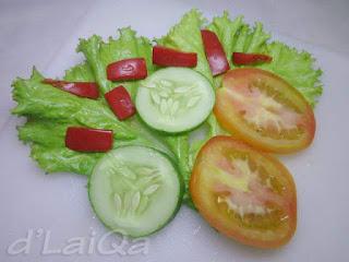 selada, tomat, timun & paprika