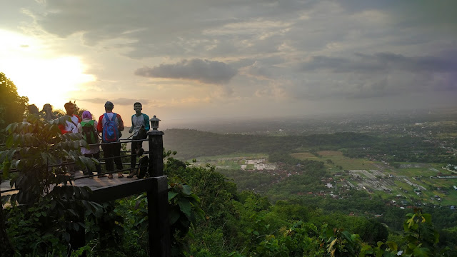 The Manglung, Bukit Bintang
