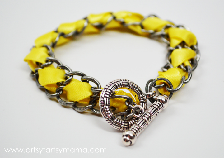 DIY Ribbon Chain Bracelet from artsyfartsymama.com #jewelry #ribbon