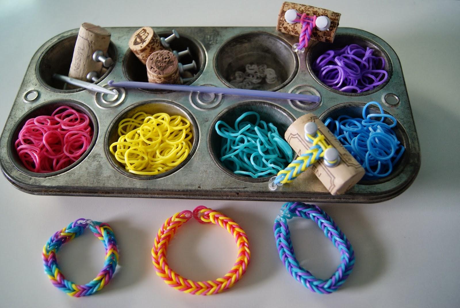 nest full of eggs: Weaving Rubber Band Bracelets