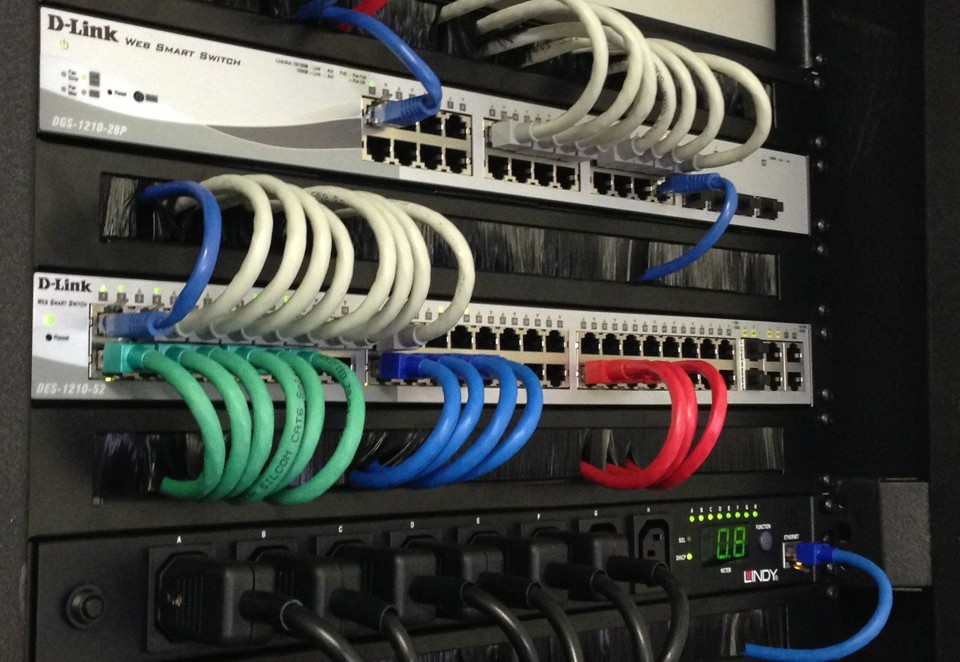 ما الفرق بين Quot Router Quot ، Quot Switch Quot و Quot Hub Quot