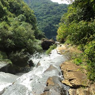 Água Correndo para A Cascata do Caracol