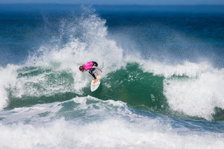 5 Sally Fitzgibbons AUS Cascais Womens Pro foto WSL Laurent Masurel