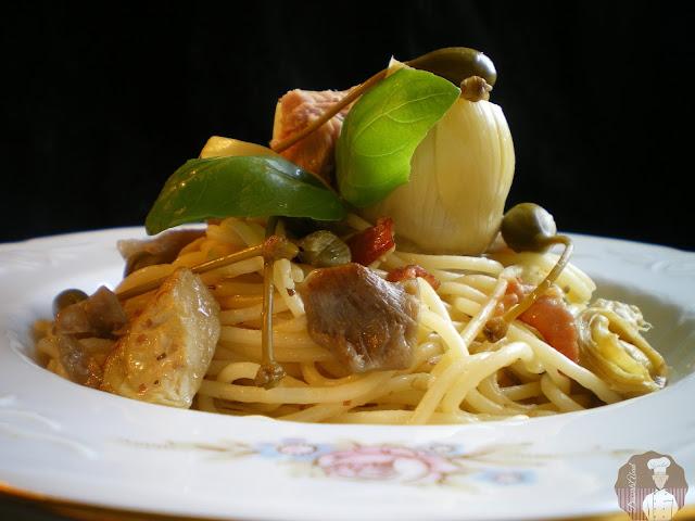 Espaguetis con setas y alcachofas