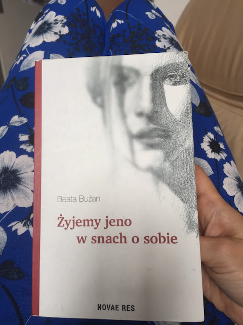 """Żyjemy jeno w snach o sobie"" - trudna lektura na koniec lata/A book for the end of summer"