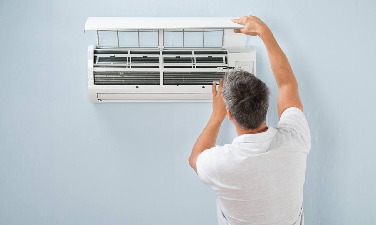 Serviços de instalação e reparo de aparelhos de ar condicionado