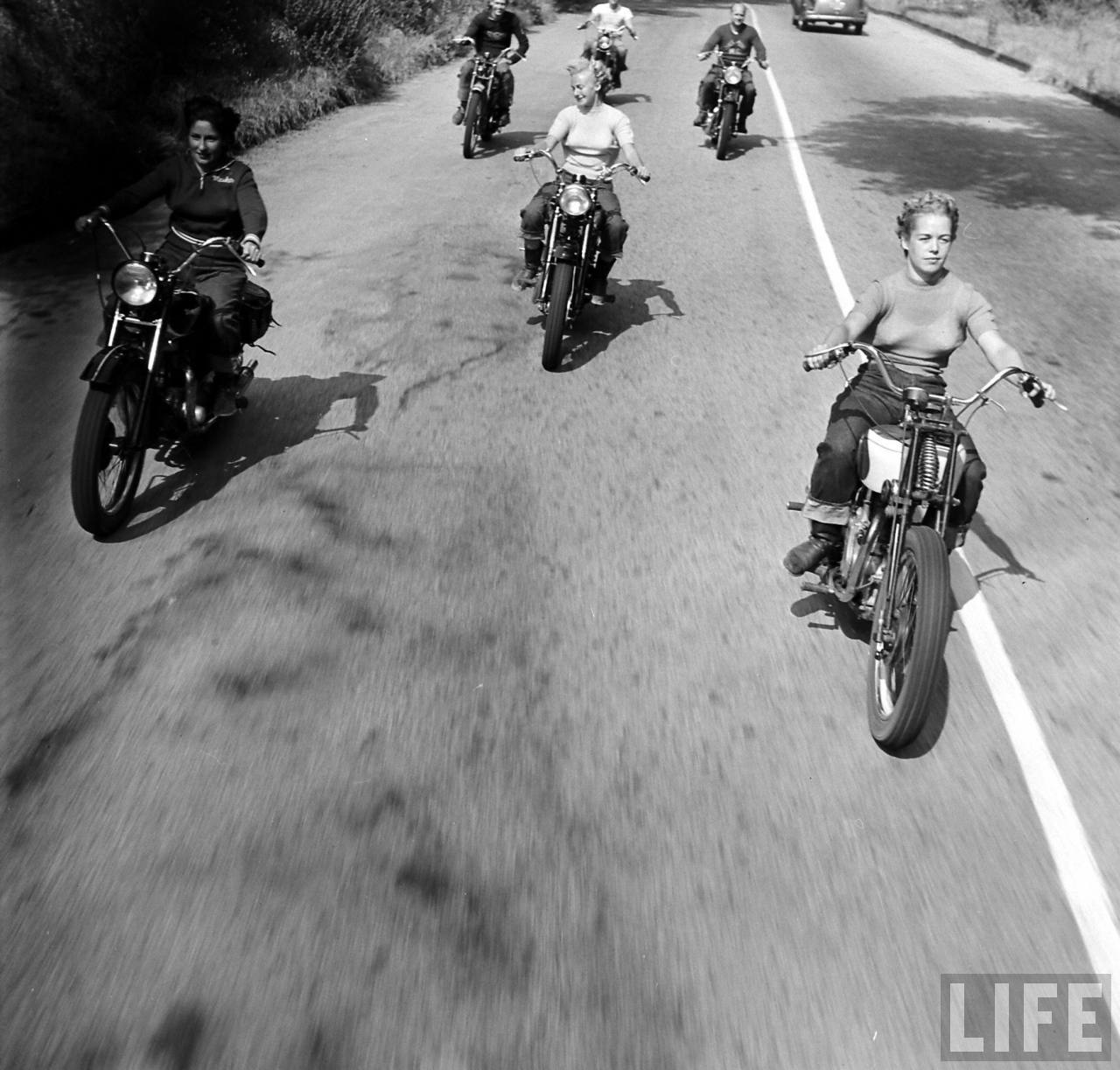1940s Bike Girls Fascinating Photos Of Female Motorcyclists From