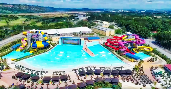 aqua_planet_waterpark_clark_philippines