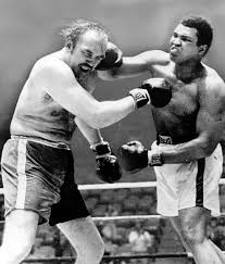 Chuck Wepner pounded by Muhammad Ali