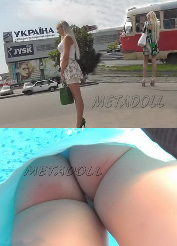 Sexy college girls - Spycam upskirt of girls on the bus stop. Hidden camera upskirts in subway (100Upskirt 4770-4835)