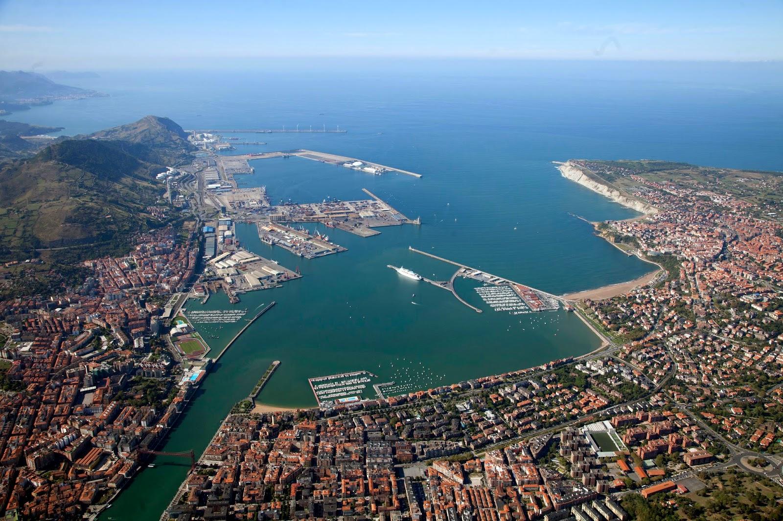 Vista a%25C3%25A9rea puerto de Bilbao DIC 2013