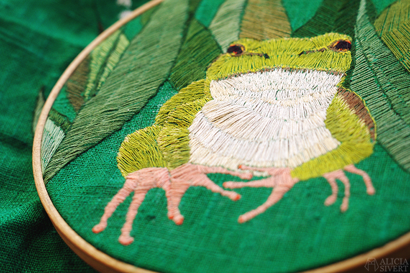 aliciasivert alicia sivertsson sivert broderi embroidery fritt frihandsbroderi lövgroda european leaf frog