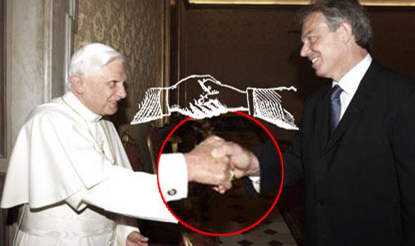 saludo masónico del papa benedicto