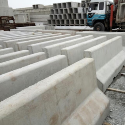 jual road barrier, beton pembatas jalan, jual road barrier murah, traffic barrier