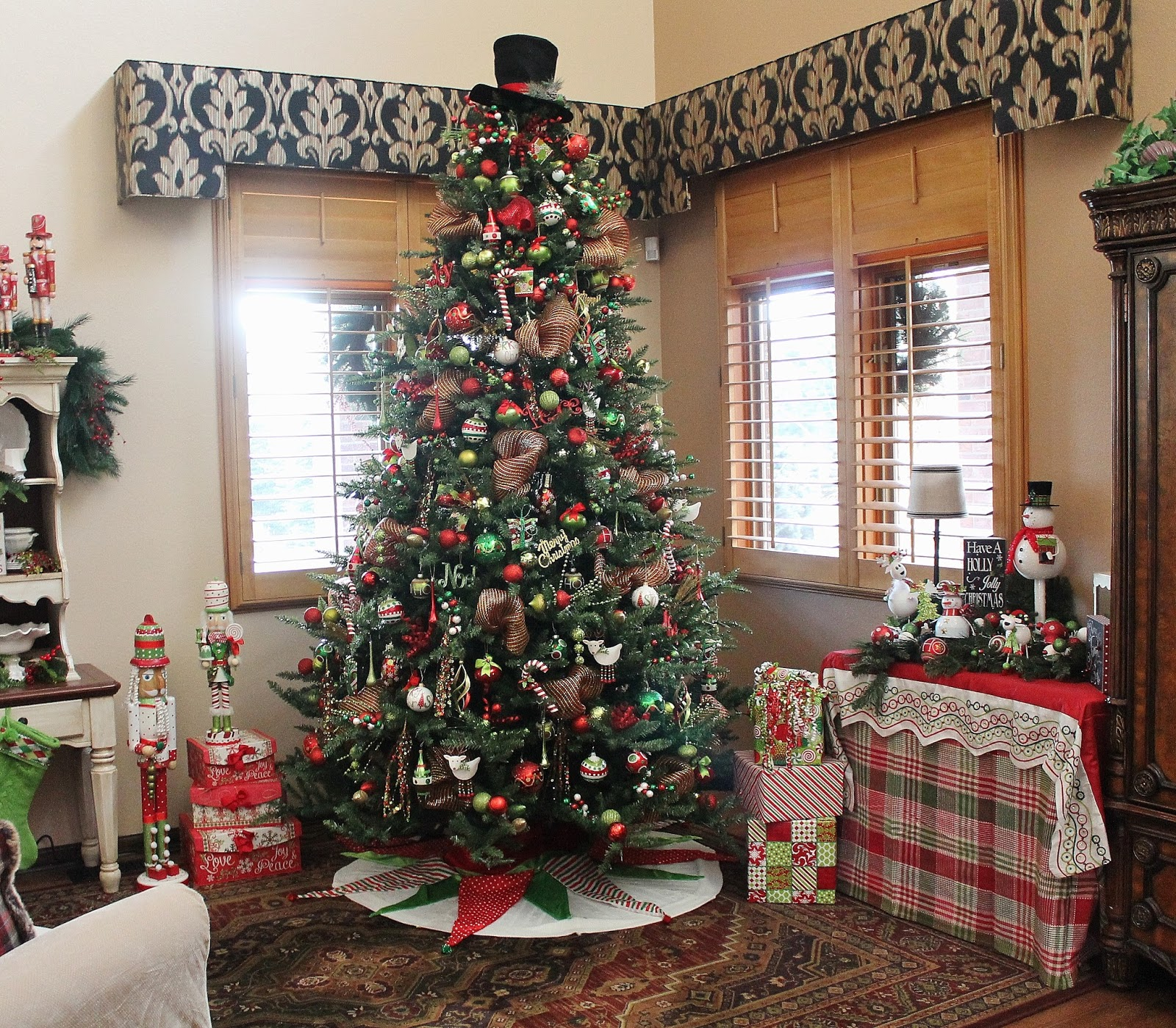 Where Does Christmas Trees Come From: Southern Seazons: Christmas Tree Is Finally Done