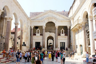 7. Istana Diocletian