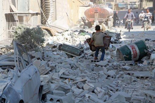 Al Asad trata reconstrucción de Siria con comitiva económica rusa