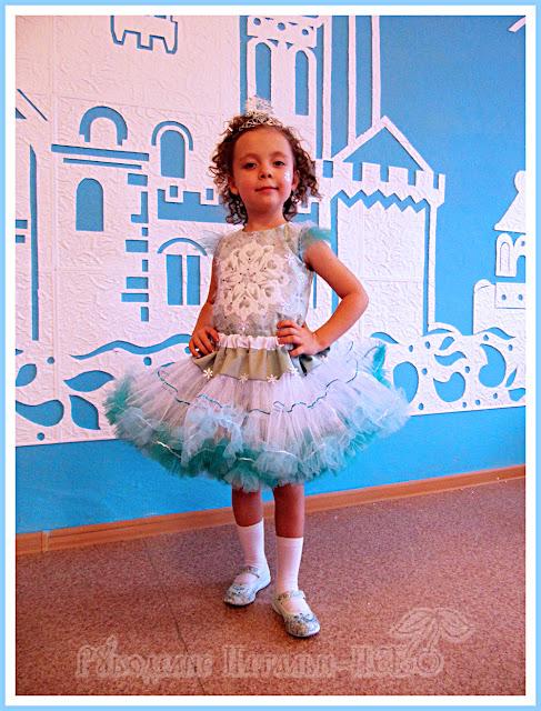 новогодний костюм для девочки 5 лет Снежинка