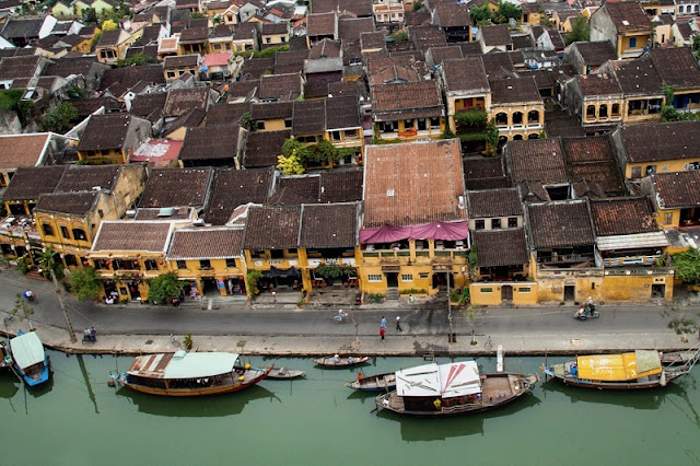 Photographs of Hoi An by photographer Réhahn in top Travel Magazine in UK 7
