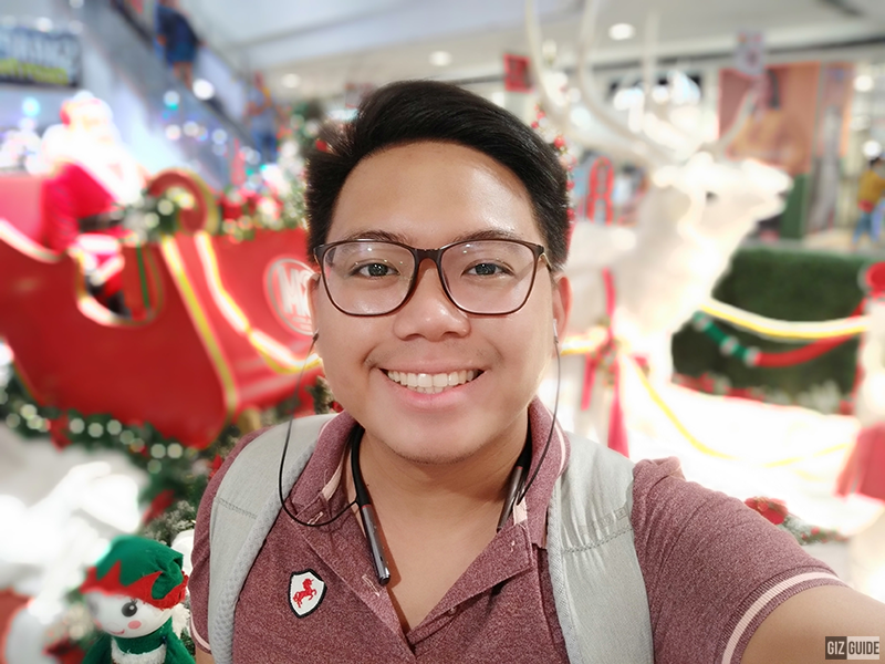 Selfie indoor bokeh