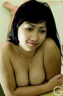 Janda Beranak 2 Jadi Model Majalah