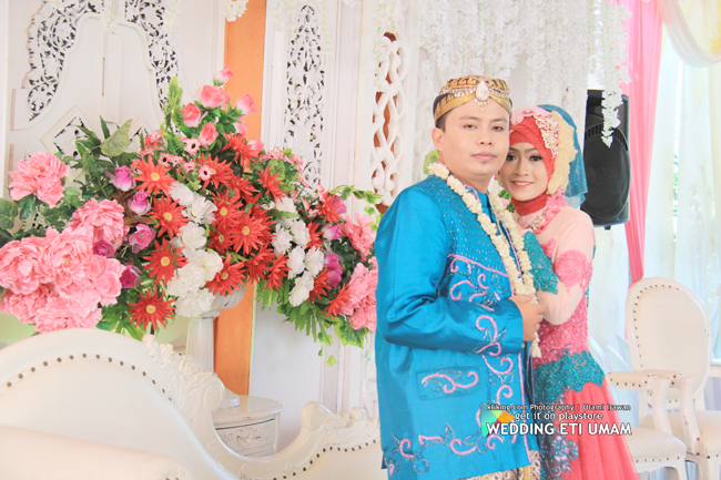 http://www.klikmg.web.id/2015/10/wedding-eti-umam-09-oktober-2015-bag2.html