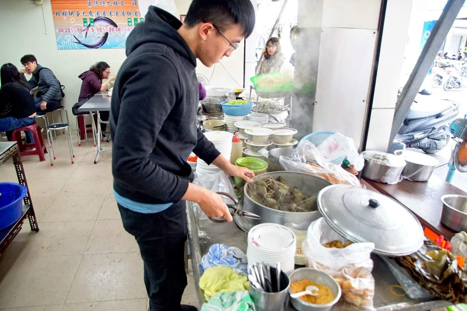 [台南][中西區] 無名大勇街鹹粥|老店新裝潢再出發|食記