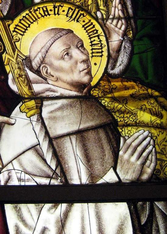 Sãon Bernardo de Claraval estava com o Papa quando a profecia foi lida