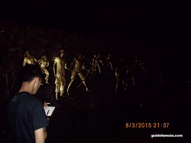 melihat relief monumen makam juang mandor