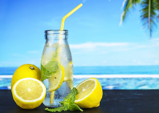 What is the best time to drink lemon of water?
