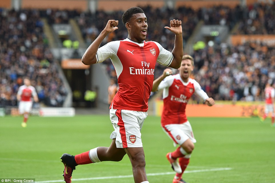 Alex Iwobi impresses me – Sir Alex Ferguson says