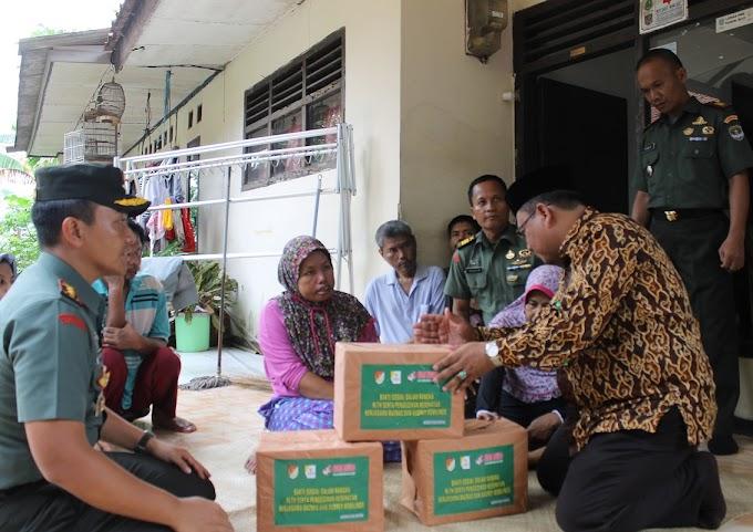 Sadiyah Menangis dan Terharu Warungnya Diperbaiki TNI