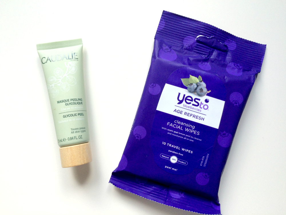 Caudalie Glycolic Peel Yes to Blueberries age refresh wipes