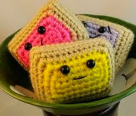 http://translate.google.es/translate?hl=es&sl=auto&tl=es&u=http%3A%2F%2Fwww.crochetquickies.com%2Ffree-amigurumi-pattern%2Ffood%2Ftoaster-pastry%2F