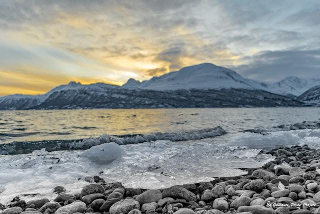 Atardecer en Ruta hacia Skibotn - Tromso por El Guisante Verde Project