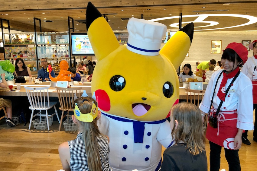 Pokemon Cafe pikachu show
