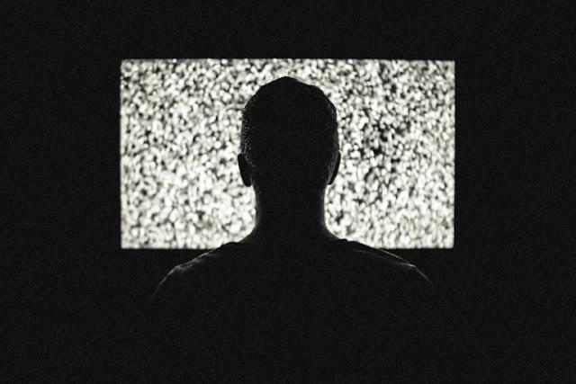 أخطار التلفاز