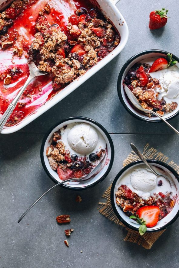 Passover dessert idea: Grain Free Berry Crisp | Land of Honey