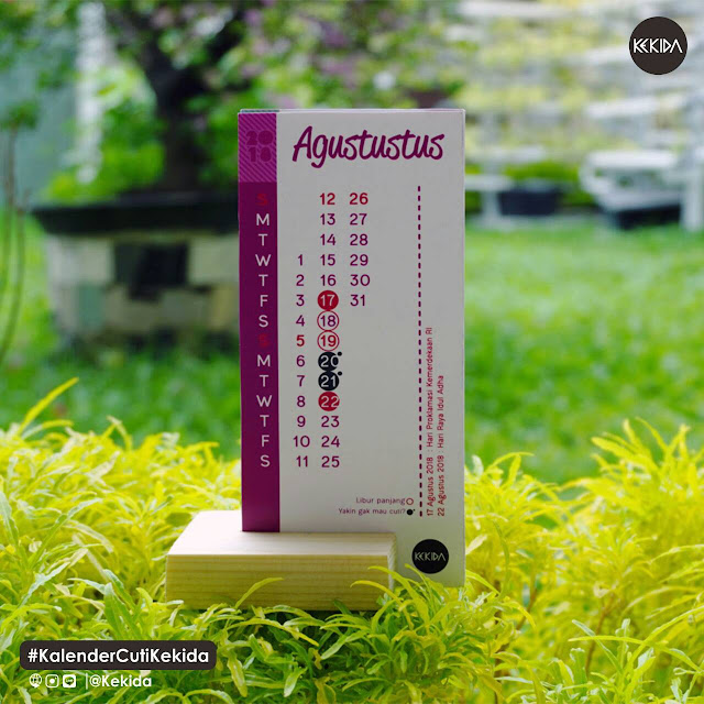 Kalender Meja Lucu dengan Tatakan Kayu