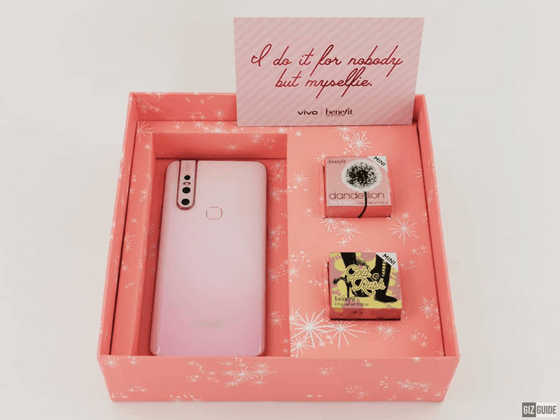 Vivo V15 Blossom Pink comes with Benefit's Dandelion Twinkle Blush and the Gold Rush Blush
