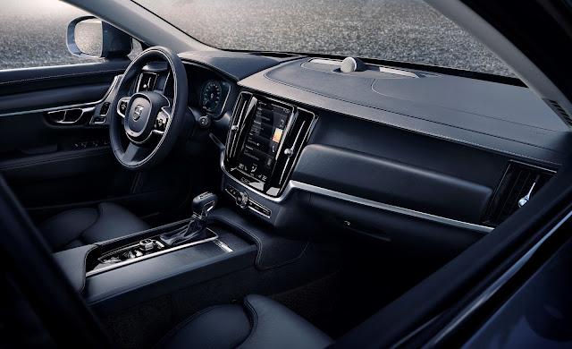 2017 Volvo V90 Cross Country T6 AWD interior