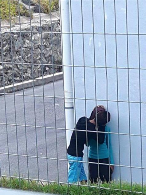 Aksi Gadis Bertudung Gua Musang