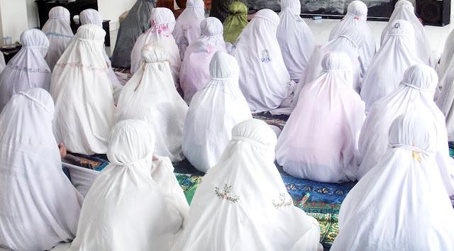 Inilah Golongan Wanita Yang Shalatnya Tidak Diterima Oleh Allah