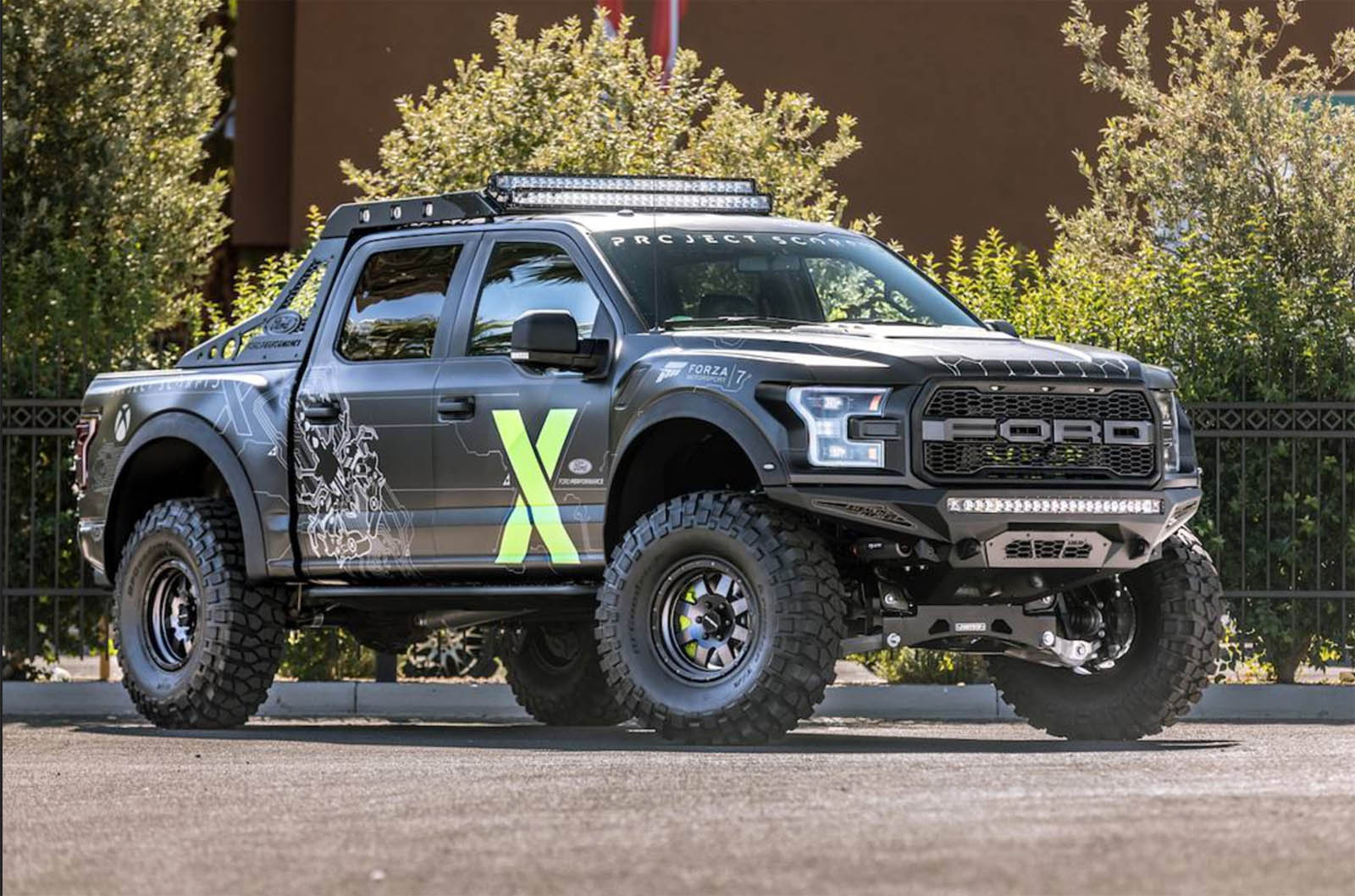 ford f 150 raptor xbox one x edition jumping from sema to forza carscoops. Black Bedroom Furniture Sets. Home Design Ideas